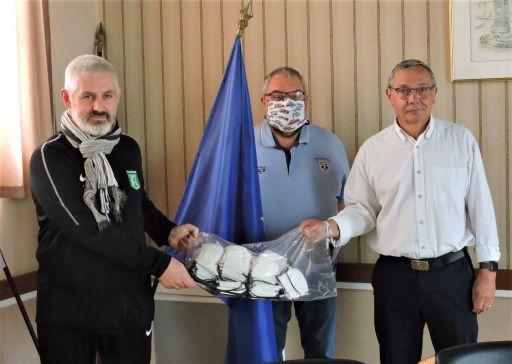 Le FC Marmagne offre cinquante masques à la commune