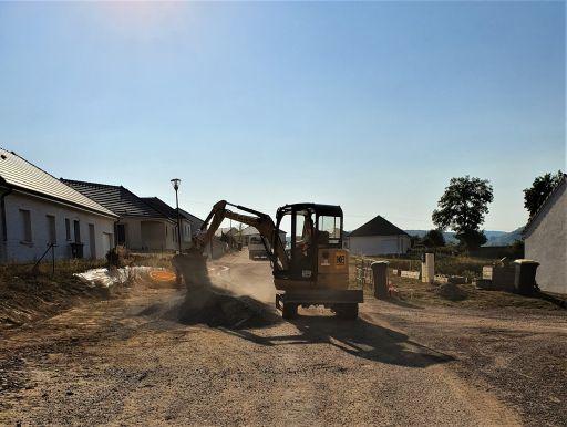 Début des travaux de finition de la voierie au lotissement de la Croix Jeangoux tranche 2