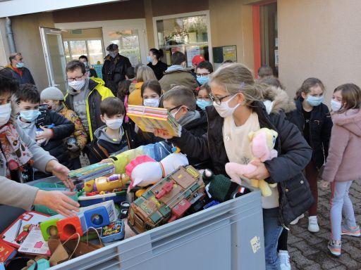 L'école a participé à la collecte de jouets pour une démarche écologique et de solidarité