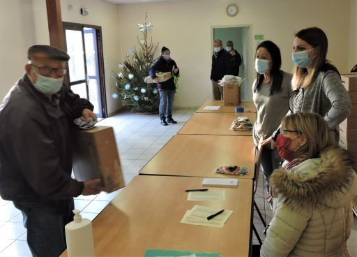 146 colis de Noël distribués aux plus de 70 ans